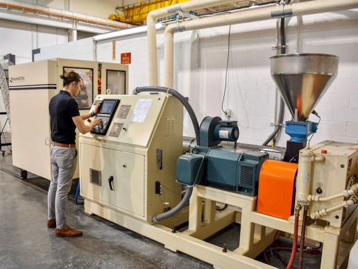 Wilmington MSB24 Rotary Blow Molder